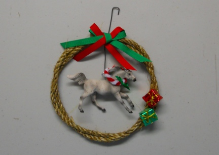 Breyer Stablemate Horse Wreath